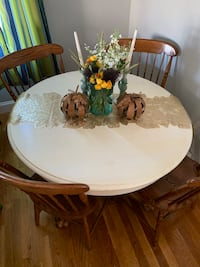 Claw Foot Dining Table & Chairs
