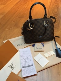 Louis vuitton alma BB  6637 km