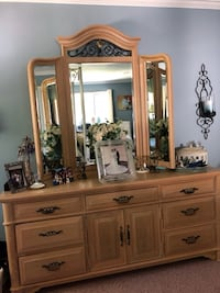 Thomasville four piece bedroom furniture. Great shape  Kings Park, 11754