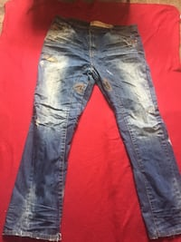 Distressed blue-washed jeans Chicago, 60649