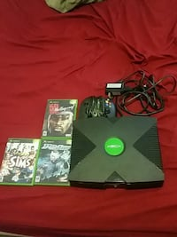 Xbox with games and controller 984 mi