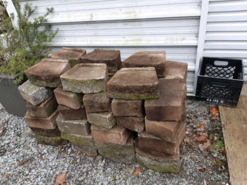 Landscaping block c1cce5d8-6504-4a58-9cce-b1134aa88a49