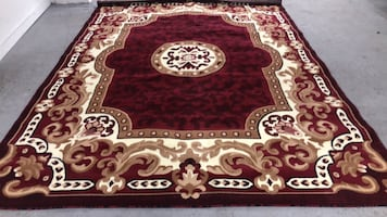 8x11 area Rug new never used