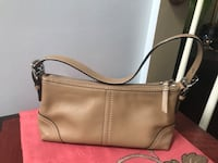 Coach purse for $10 Leesburg, 20176