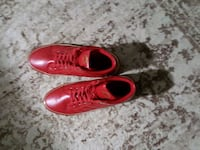 Red and gold guess shoes  Maple, L6A
