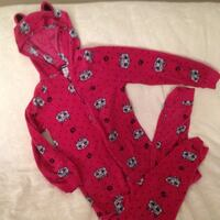 red and black floral long-sleeved shirt Regina, S4N 2X1