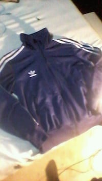 Adidas sweater Size large  Winnipeg
