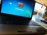 black and gray HP laptop 1962 km