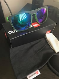 REDUCED NEW QUICKSILVER BLACK/GREEN MATT FRAME WITH MIRRORED LENS + BOX Cambridge