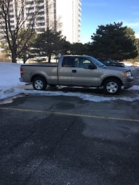 2004 Ford f 150 crew cab pickup truck with 178000 km v8 RWD with