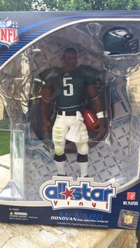 All star Vinyl Donovan McNabb Upper Deck Figures.