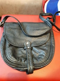 black leather 2-way handbag 2869 km