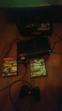 Ps2 /1 controller 1 memory card and 2 games 40$ Ottawa, K1R 5J5
