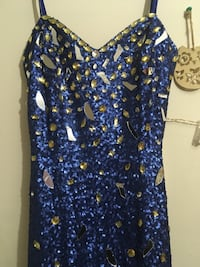blue and white floral scoop-neck sleeveless top Germantown, 20874