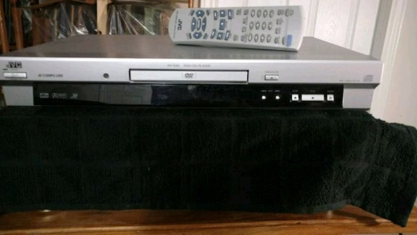 gray and black DVD player JVC 653e2fb0-7eba-49f5-8d8d-0db6f926609c
