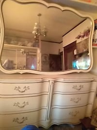 Dresser and chest with large mirror St. Louis, 63118
