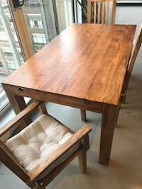 Solid Wood Dining Table and Chairs Toronto, M5V 2B7
