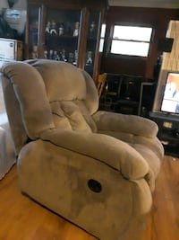 Rocker Recliner Chair  Chicago, 60609