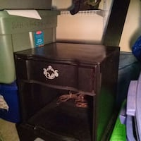 End table with electric plug outlet Gaithersburg