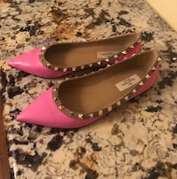 Pair of VALENTINO size 39  22 km