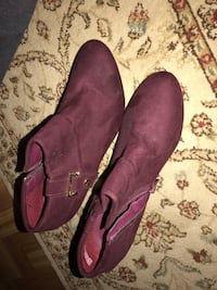 pair of purple suede slip-on shoes Cahokia, 62206