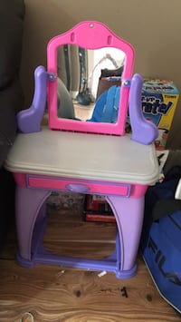 Kids toy vanity Mississauga, L4Z
