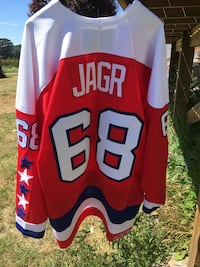 Red and white nfl jersey North Saanich, V8L