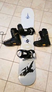 Snowboard and shoes size 9 Alexandria, 22311