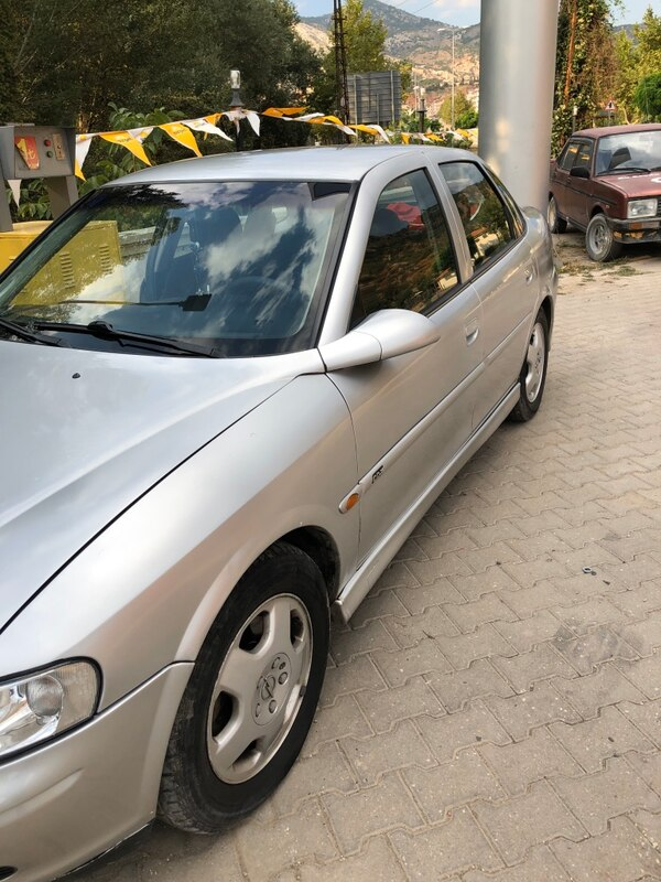 2000 Opel Vectra 2.0I CD 6