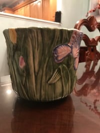 HAND-PAINTED CERAMIC PLANTER! Miller Place, 11764