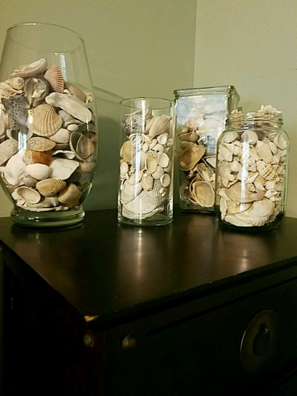 glass jars with or without shells