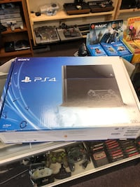 Ps4 two controllers  Independence, 64052