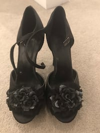 Size 7 flower shoes