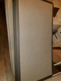 Single bed in very good condition... Calgary, T3N