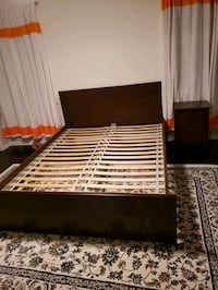 Queen size bed and nightstand Gaithersburg, 20878