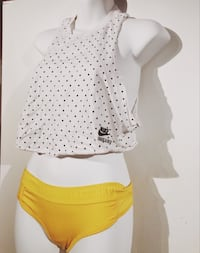 Nike Crop Top Polka Dot XS Richmond, V7E 4M4