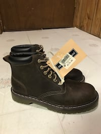 Brown winter boots brand new