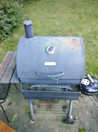 New Charcoal Grill + accessories 41 km