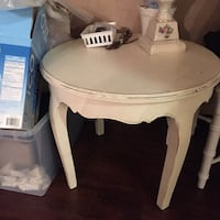 Shabby chic Round white wooden side table Mission Viejo, 92691