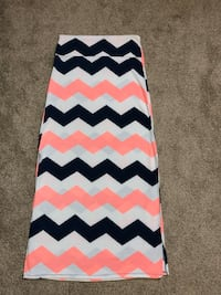 Navy,Pink & White Chevron Skirt from Rue21 size Large.Fits Med also. Wichita, 67207