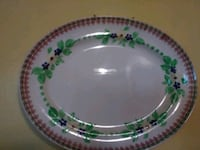 white and green floral ceramic plate Fenton, 63026