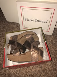 Pair of brown leather wedge shoes in box Guntersville, 35976