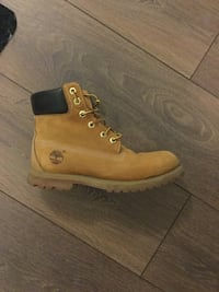 Women's timberland boots size 8 - 9 Toronto, M4Y 0B8