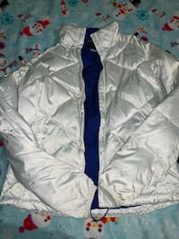 Women north face size MD in good condition no pets smoking free 58 mi