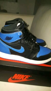 blue-and-black Nike Air Force 1 high 2216 mi