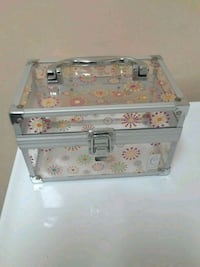 REALLY CUTE CABOODLES MAKE UP BOX Los Angeles, 91607