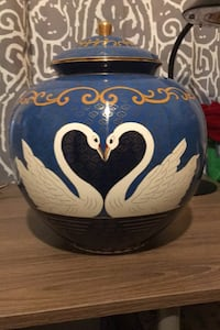 Non used urn  Stafford, 22556