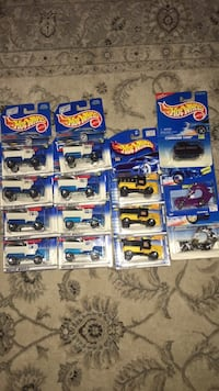 Hot wheels  lot of 14 year 1995 to 2000.All new in packages.