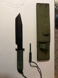 Black handled knife with sheath Salem, 03079