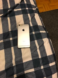 white iPhone 7 with box Toronto, M4H